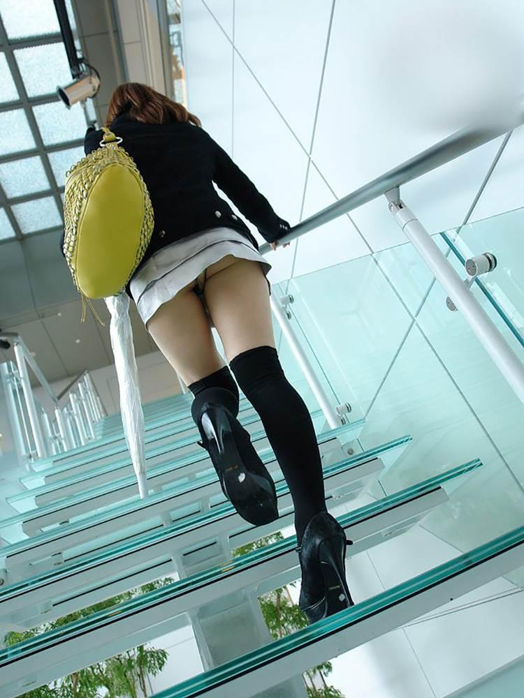 階段_パンチラ_盗撮_エロ画像09