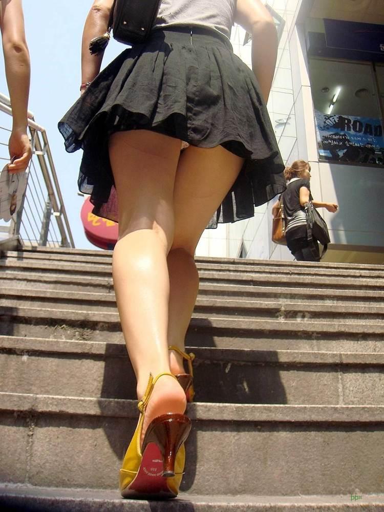 階段_パンチラ_盗撮_エロ画像15