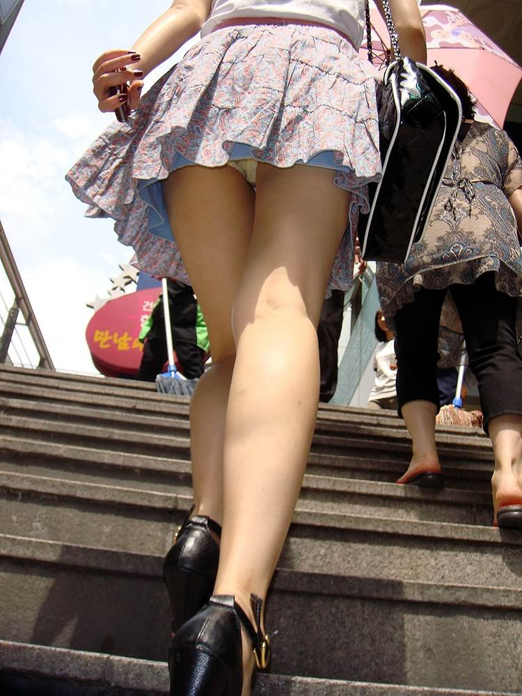 階段_パンチラ_盗撮_エロ画像16