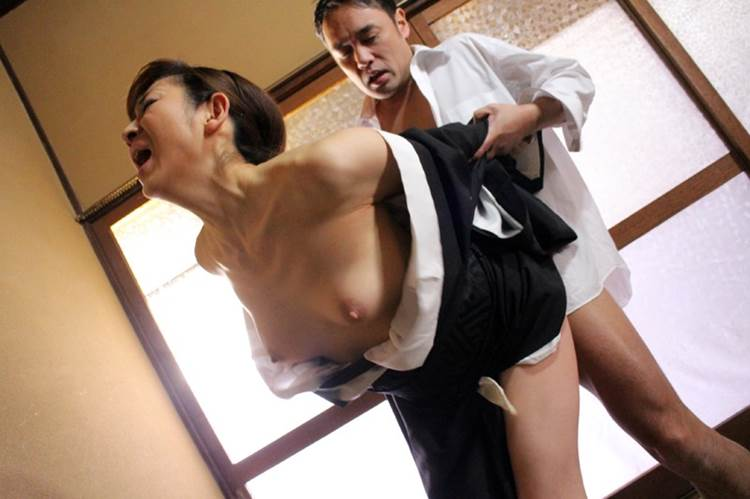 喪服_着衣セックス_エロ画像14