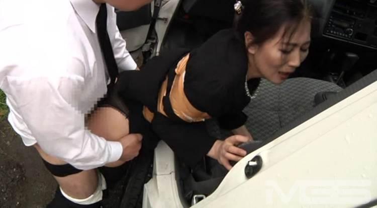 喪服_着衣セックス_エロ画像18