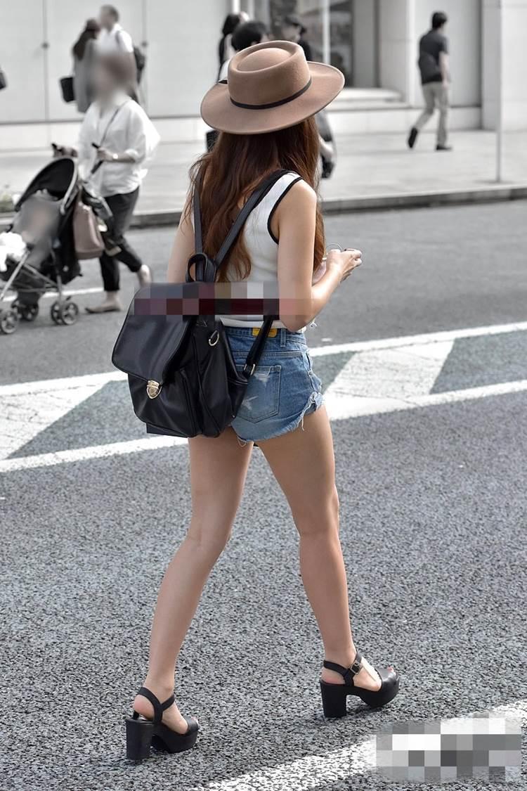 デニム_ホットパンツ_街撮り盗撮_エロ画像10